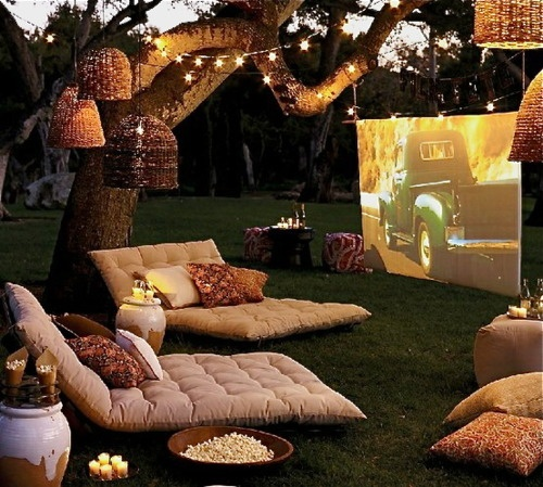 Outdoor Lounge Movie night